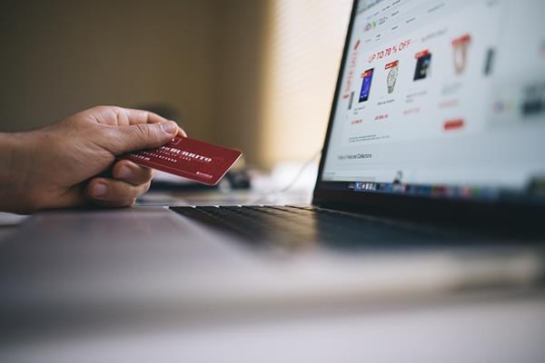 5 powodów, dla których Polacy kupują przez internet!